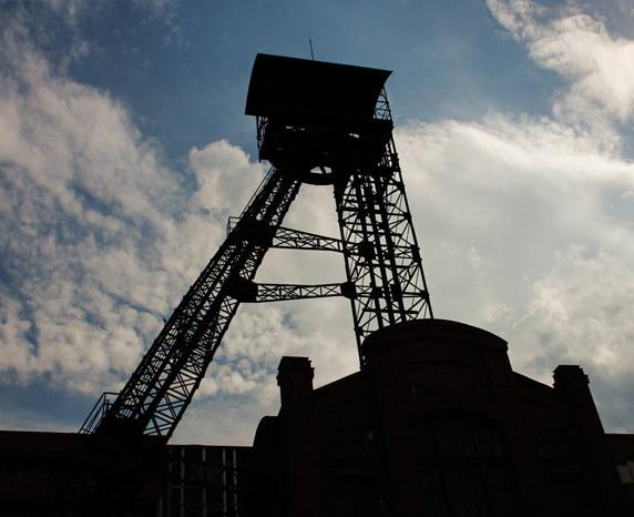 Těžební věž černouhelného dolu